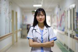 Симптомы вируса в путешествии? Самые нужные фразы для общения с медиками за границей.