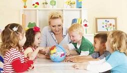 Специализированные курсы или детский сад с уклоном английского языка: как лучше начинать изучение иностранного с малышом